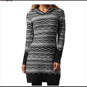 PrAna Meryl Gray/Black Chevron Sweater Dress